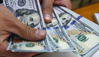 El dólar supera los $60 y el Banco Central sube más de 10 puntos la tasa
