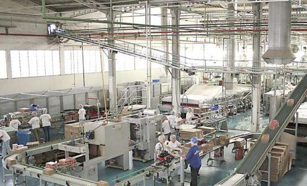 Desempleo de Brasil registra mínimos históricos mientras la inflación se acelera