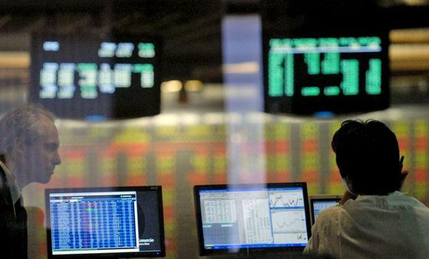 Impulsada por bancos, bolsa porteña se disparó 4,5% y tocó nuevo récord