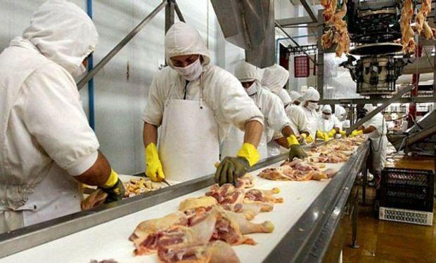 Se fijan nuevos salarios para la actividad avícola.