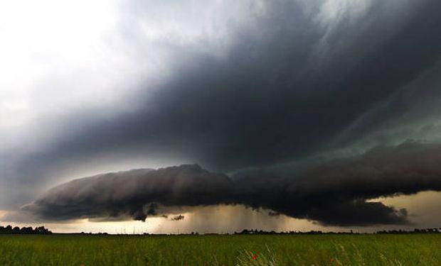 El área de cobertura se ve afectada por tormentas aisladas de variada intensidad.