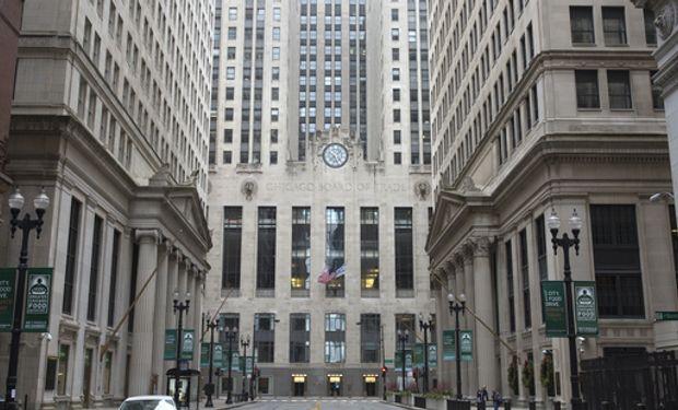 Siguen presentes los factores bajistas de fondo en Chicago a pesar del importante atraso en la siembra de Estados Unidos.