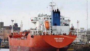 Coronavirus: detectaron 11 casos positivos en un buque que operó en Timbúes