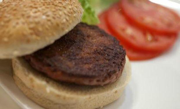 Cómo es la primera hamburguesa de laboratorio