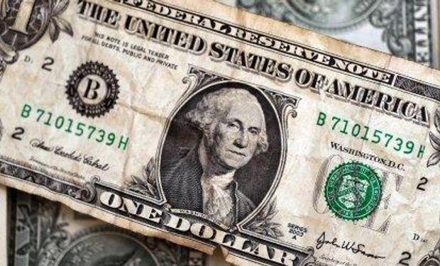 Litigio en EE.UU.: los peligros de guardar dólares bajo el colchón