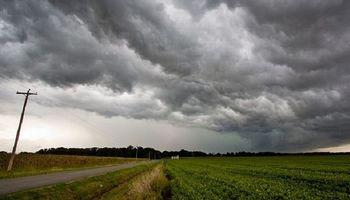 El SMN emitió un alerta por tormentas fuertes y granizo para el Litoral