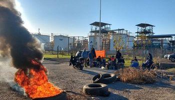 El gremio de aceiteros reclama un bono de 50 mil pesos y amenaza con ir a huelga