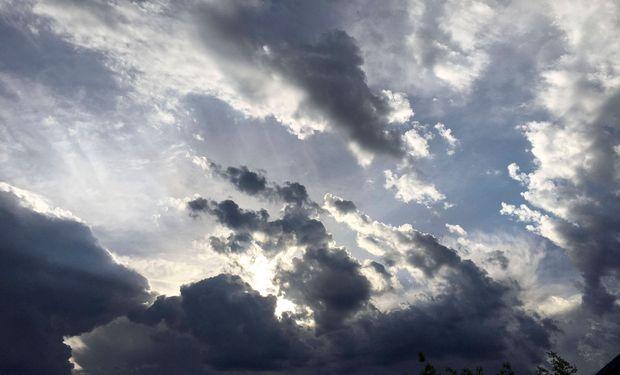 En este momento las tormentas más destacadas se ubican en las provincias de Corrientes y Santiago del Estero.