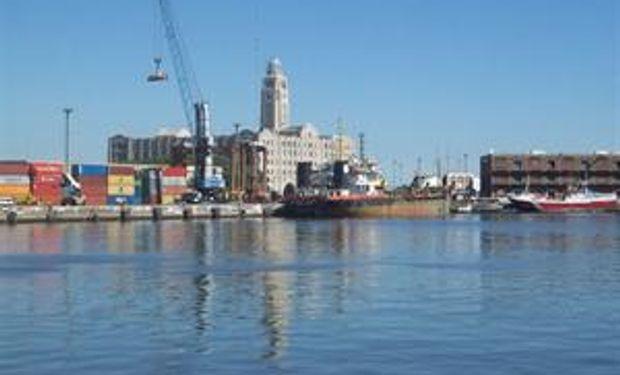 Transbordos: una declaración de guerra al puerto de Montevideo