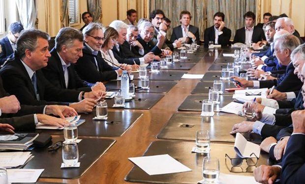 El presidente Mauricio Macri y el secretario de Agroindustria Luis Etchevehere, encabezaron la reunión.