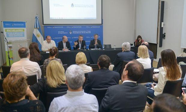Presentación del informe de gestión, con la participación de Etchevehere.