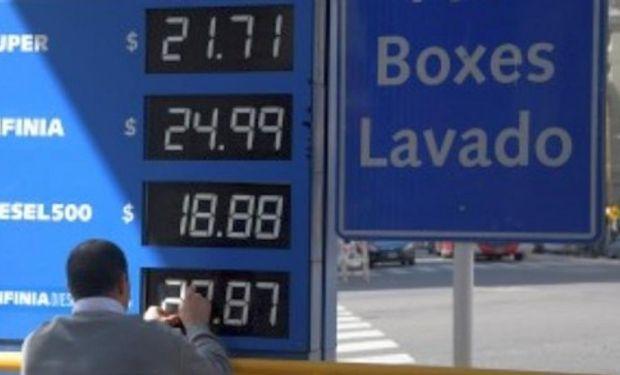 Las compañías irán concretando, durante la jornada de hoy, los cambios en las pizarras para los precios de los gasoil G1 y G2 y las naftas súper y premium.