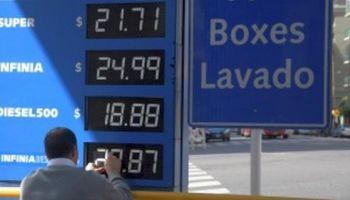 Tras la suba, Argentina tiene una de las naftas más caras de América Latina