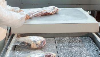 Brasil retomaría el envío de carne a China tras el caso de vaca loca