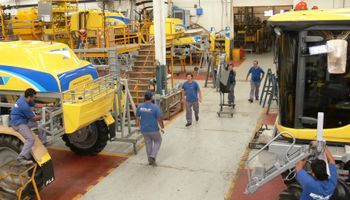 Fabricantes de maquinaria agrícola piden definir la composición del Producto Nacional