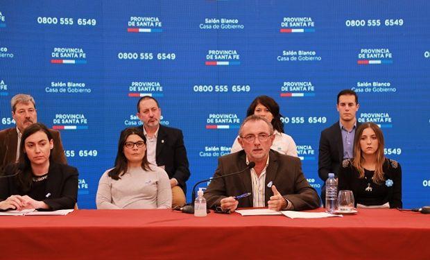 Conferencia de prensa del ministro Daniel Costamagna.