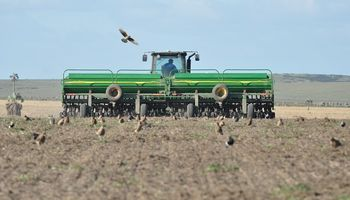 """El Gobierno diagrama un """"Plan Canje"""" para maquinaria agrícola y busca potenciar al sector agropecuario"""