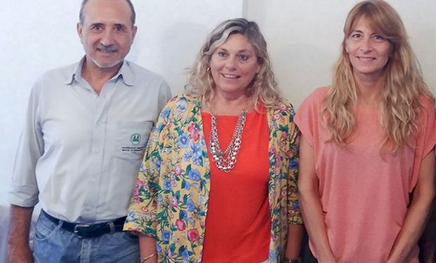 De izquierda a derecha: Ricardo Perelló, Laura Llopi y Marina Masat