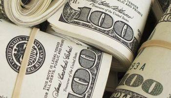 El dólar hoy volvió a subir: así cerró en bancos y casas de cambio