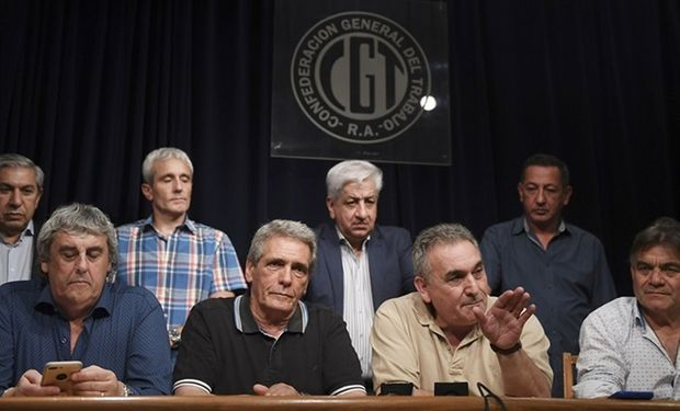 La huelga, que se extenderá por 24 horas desde la medianoche, fue convocada para exigir cambios en el rumbo económico.