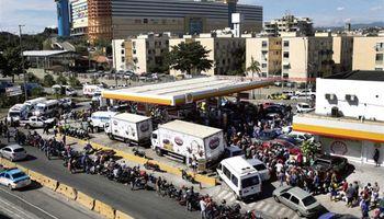 Las amplias concesiones de Temer no alcanzan y el paro de camioneros colapsa a Brasil