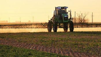 El campo se sube al colectivo para promover las Buenas Prácticas Agrícolas