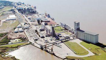 El puerto de rosario espera operar un 25% más de cargas el año próximo