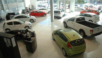Con los nuevos impuestos internos, los autos de alta gama llegan con subas de casi 100%