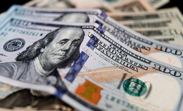 Se recalentó el dólar hoy: el blue subió $ 4 ante la imposibilidad de comprar en los bancos