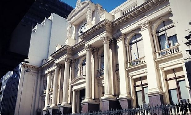 El presidente del Banco Central dijo que bajará la emisión en 2014