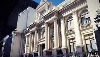 Fin de la luna de miel: Kicillof y Fábrega pelean por la tasa de interés