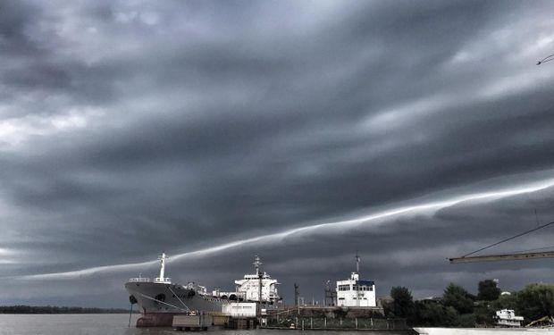 La tormenta desde el Puerto de Rosario.