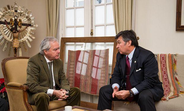 E presidente de la Sociedad Rural Argentina (SRA), Daniel Pelegrina recibió al presidente provisional del Senado, Federico Pinedo.