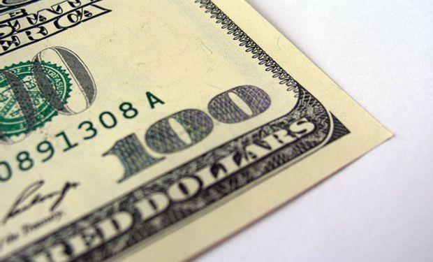 El dólar oficial subió un centavo  a $ 5,735