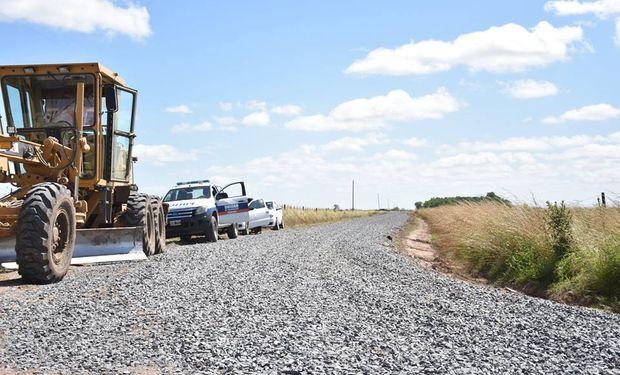 Buscan mejorar caminos rurales que conecten escuelas.