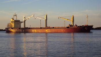 Liberan el paso del Río Paraná y se reanuda el comercio