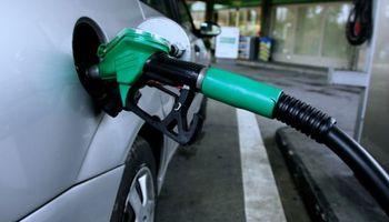 """Estacioneros dicen que """"la nafta podría llegar a $ 20 antes de fin de año"""""""