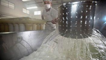 Pymes lácteas reclaman al Gobierno por una homologación irregular de la paritaria