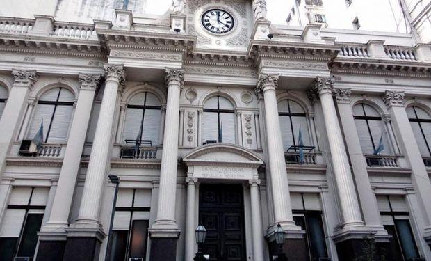 El Banco Central logró convalidar ayer una baja de tasas.