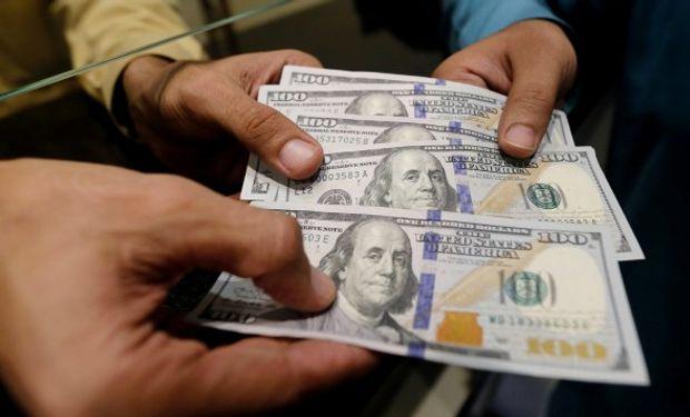 Leves subas para el dólar en la plaza local.
