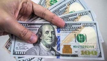 El dólar en el Banco Nación llegó a los $65 con un nuevo récord y fuerte intervención del BCRA