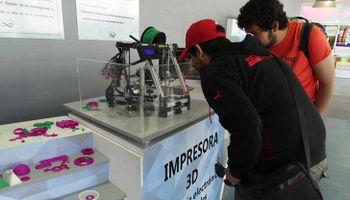 Buscan producir bioplásticos para impresiones 3D con residuos agroindustriales