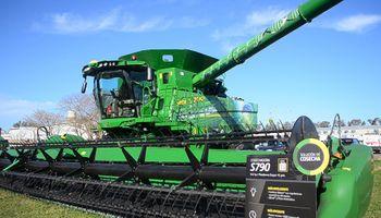 John Deere lanzó una nueva serie de cosechadoras inteligentes con el foco en la calidad de grano