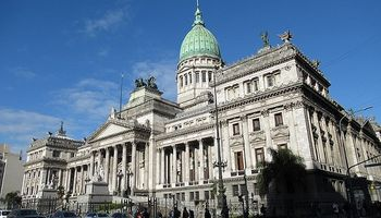 Comenzó la actividad en el Congreso con la conformación de comisiones y Ley de Góndolas
