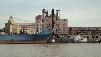 Trabajadores portuarios levantan medida de fuerza