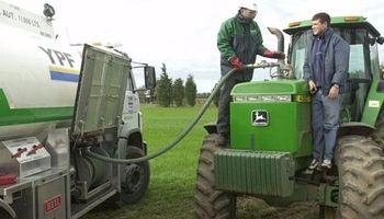 Aumentaron los combustibles: YPF fue la primera en fijar una suba del 2,9 %