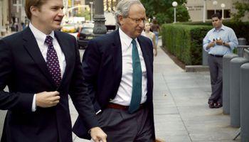 Los fondos buitre dan a conocer la riqueza de los funcionarios para presionar al Gobierno
