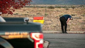 """Alec Baldwin: qué se sabe del accidente fatal durante la grabación de la película western """"Rust"""""""