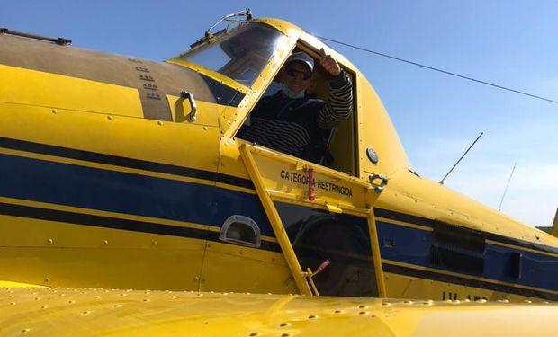 """El piloto que se estrelló en un campo y vivió para contarlo: """"Un manto negro me cubrió"""""""