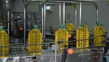 Prohíben la comercialización de dos marcas de aceite de girasol por ser ilegales